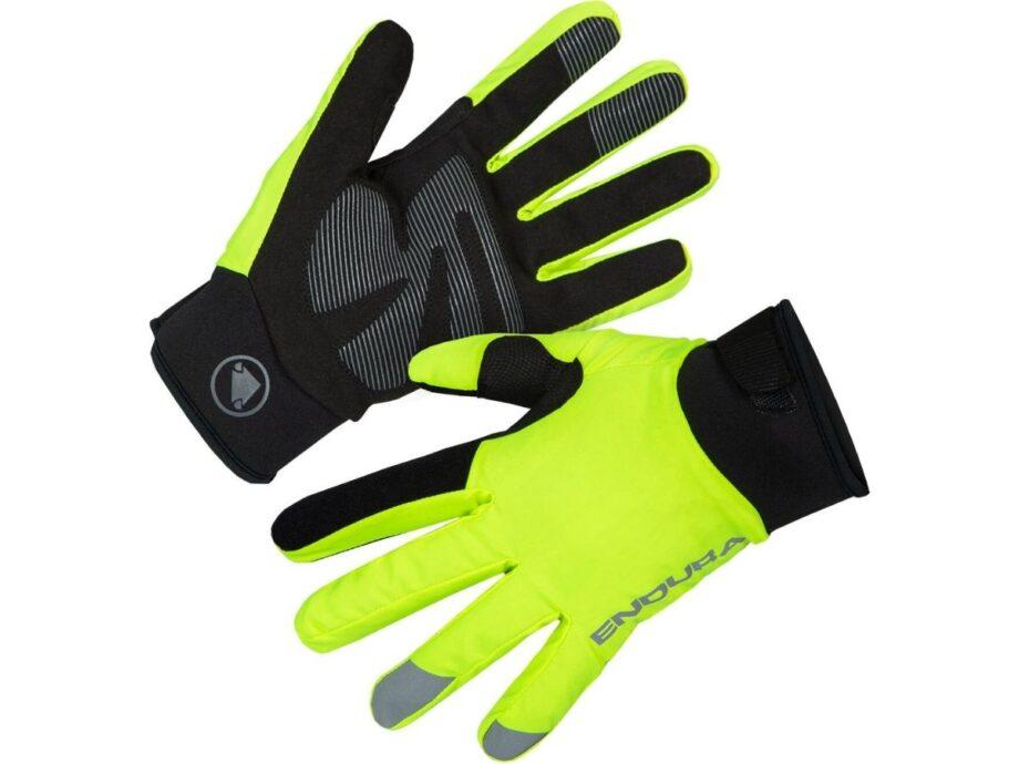 Rękawiczki jesienno-zimowe, w których zastosowano miękkie i komfortowe materiały, aby zapewnić najwyższy poziom wygody od pierwszego założenia. Chronią przed wodą i wiatrem oraz zapewniają komfort termiczny.